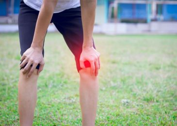 ِAll you need to know about knee pain when kneeling